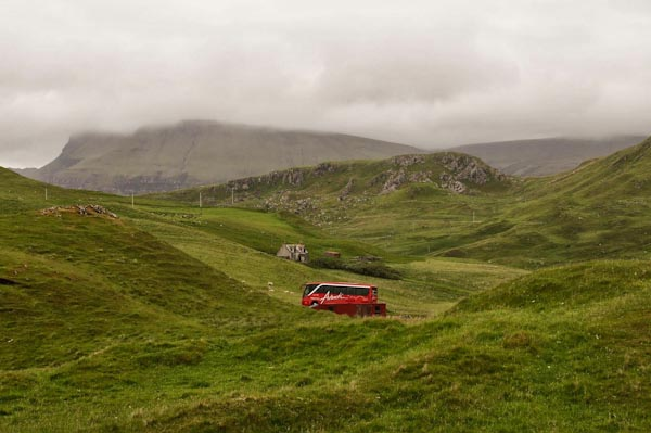 Bus in den Highlands